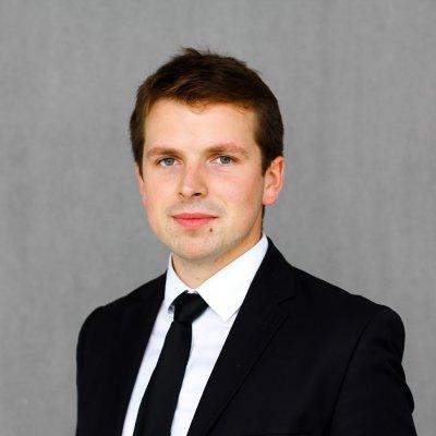 Handlowiec - Piotr Trojanowski